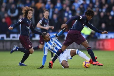 Arsenal Curi Poin Penuh di Kandang Huddersfield