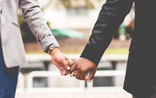 Cara Meredam Situasi saat Bertengkar dengan Pasangan