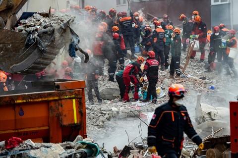 Korban Tewas Gedung Runtuh di Istanbul Jadi 21 Orang