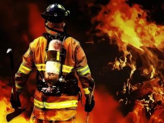 Sebuah Gudang di Jakarta Timur Terbakar