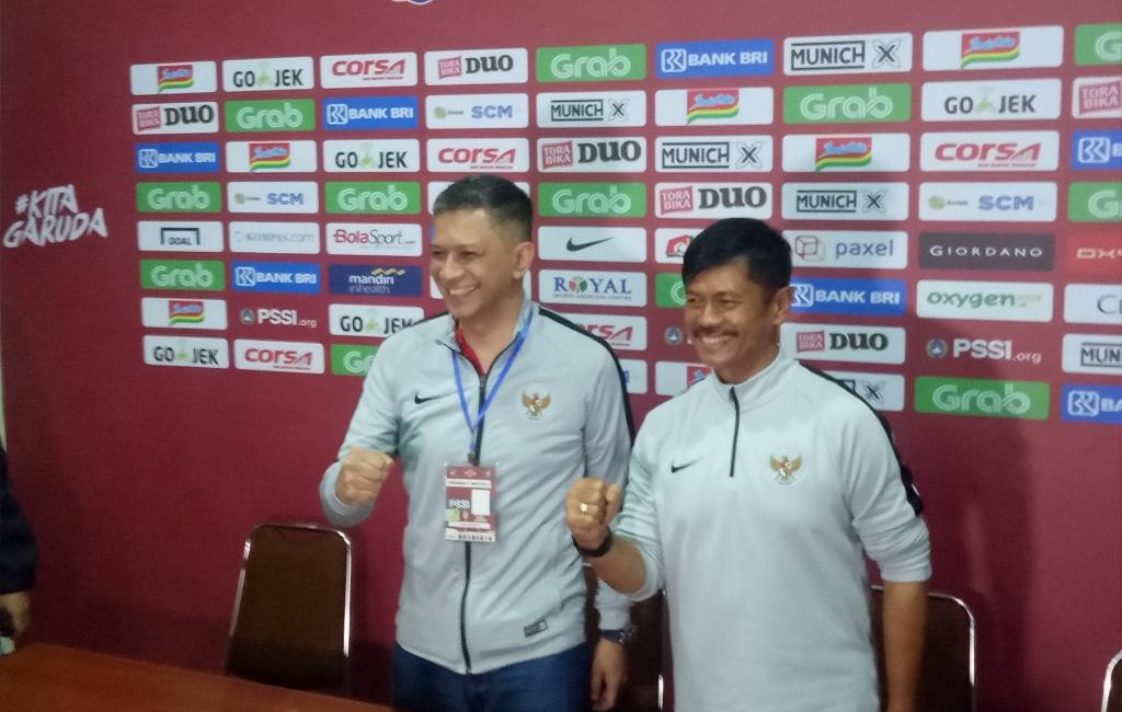 Pelatih timnas Indonesia U-22 Indra Sjafri (kiri) (Foto: Medcom.id/Daviq Umar Al Faruq)