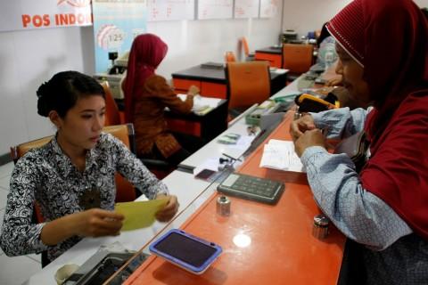 Menolak Senja Kala Pos Indonesia