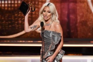 Lagu Shallow Antar Lady Gaga dan Bradley Cooper pada Piala Grammy