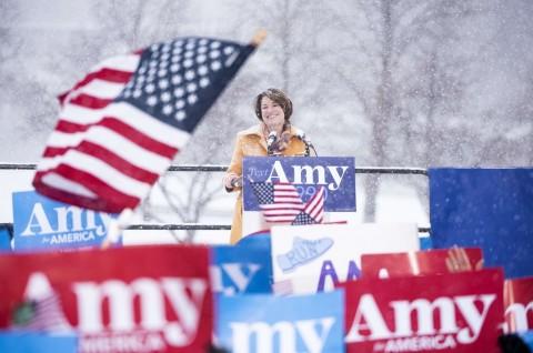 Satu Lagi Senator Demokrat Bergabung dalam Pilpres 2020