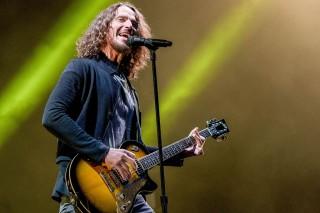 Mendiang Chris Cornell Menang Grammy