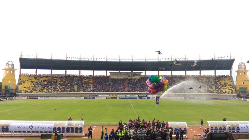 Suasana Stadion Si Jalak Harupat jelang Persib vs Persiwa di leg 2 babak 32 besar Piala Indonesia 2019 (Foto: medcom.id/Roni Kurniawan)