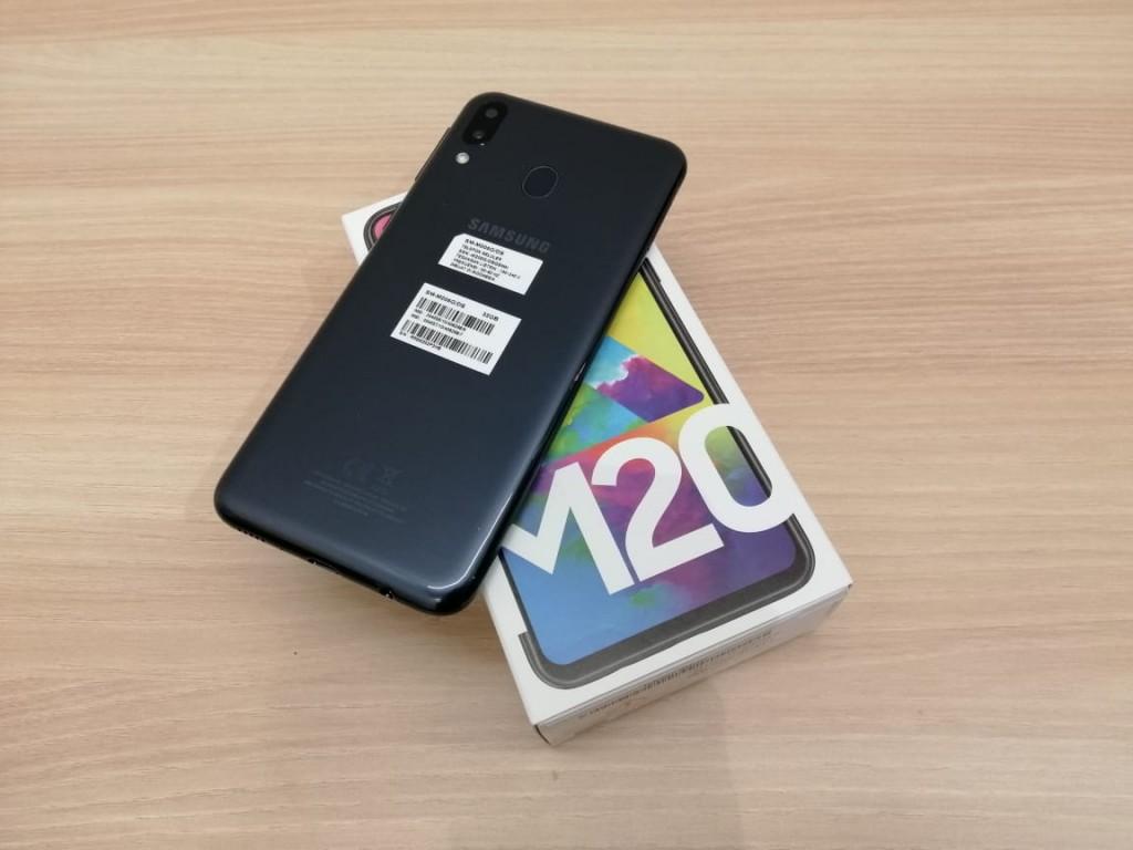 Samsung M20. (medcom.id)