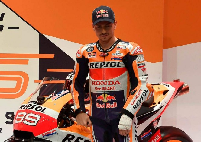 Lorenzo saat peluncuran motor baru Honda untuk MotoGP 2019 (AFP-PIERRE-PHILIPPE MARCOU)