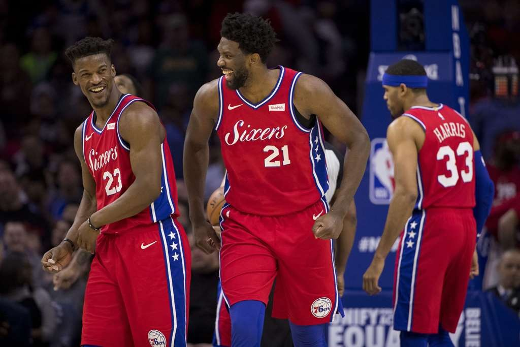 Ekspresi pemain-pemain Philadelphia 76ers usai menundukkan LA Lakers (AFP/Mitchell Leff)