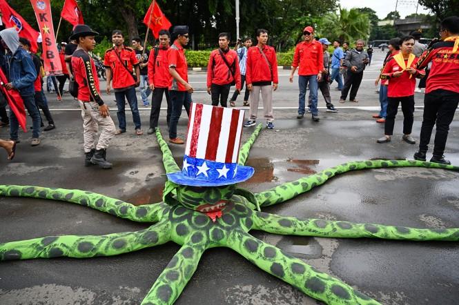 Gerakan Buruh untuk Rakyat (Gerbak) mengecam tindakan Amerika Serikat dan Uni Eropa yang diduga mengintervensi pemerintahan Venezuela di bawah kepemimpinan Nicolas Maduro.