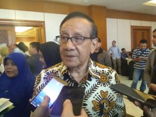 Akbar Tanjung Sangsi Irman Terima Suap