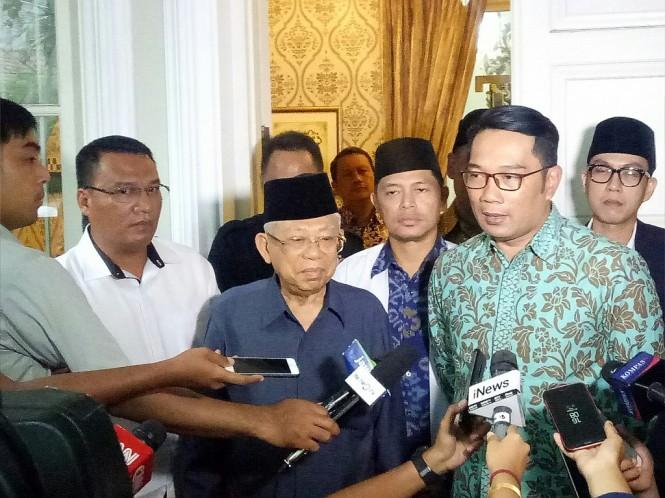 Gubernur Jawa Barat Ridwan Kamil (Kang Emil) menyambangi kediaman calon wakil presiden nomor urut 01 Ma'ruf Amin - Medcom.id/Arga Sumantri.