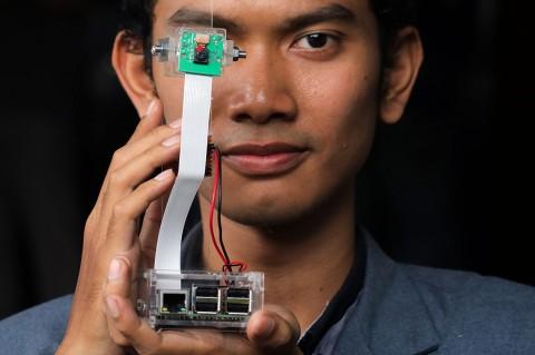 Mahasiswa Stikom Surabaya Ciptakan Pendeteksi Pengemudi Mengantuk