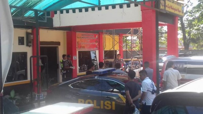 Situasi Polsek Batuampar saat Bripka Kristian Poltak Sitorus ditemukan tewas karena bunuh diri sekitar pukul 13.45 WIB. Foto: Istimewa.