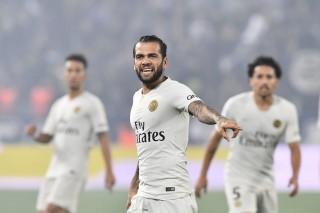 Tekuk MU, Dani Alves Pede PSG Juara Liga Champions