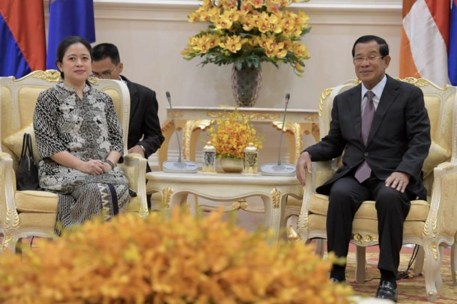 Menko PMK Puan Maharani bertemu Perdana Menteri Kamboja, Hun Sen (Foto:Dok.Kemenko PMK)