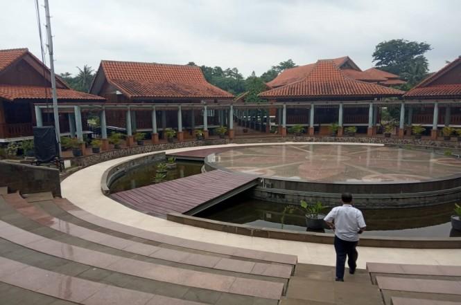 Deretan replika rumah Betawi beraneka tipe dan bentuk di UP PBB Jagakarsa, Medcom.id - Ririn
