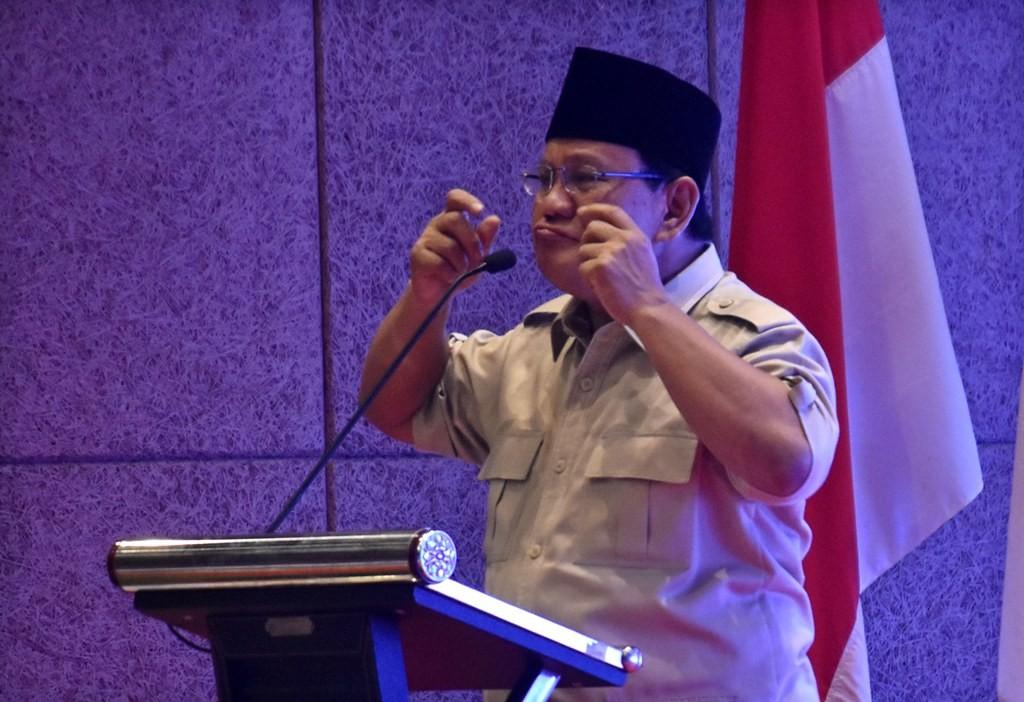 Ilustrasi--Calon Presiden nomer urut 02 Prabowo Subianto menyampaikan pidato saat berkampanye di Wujil, Kabupaten Semarang, Senin (29/10/2018). Foto: Antara/Aditya Pradana