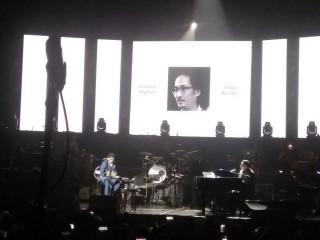 Glenn Fredly Menangis Bawakan Lagu Penghormatan untuk Dian Pramana Poetra