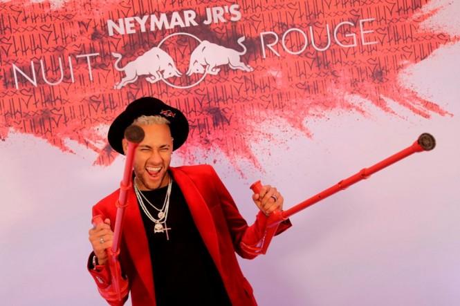 Neymar saat perayaan pesta ulang tahunnya yang ke-27 pada 5 Februari 2019. (Foto: Thomas SAMSON / AFP)