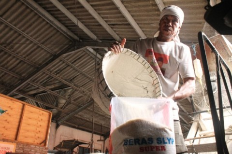 Stok Beras Bulog Cirebon Aman Sampai 2020