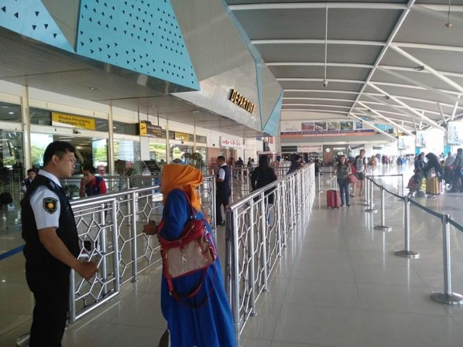 Suasana di Bandara Sultan Hasanuddin terlihat sepi pada Jumat 15 Februari 2019. Medcom.id/Muhammad Syawaluddin