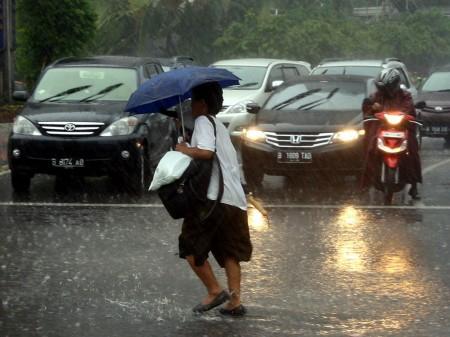 Jakarta Berpotensi Hujan di Siang dan Malam