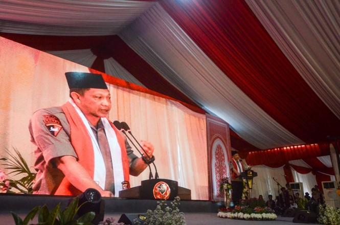 Kapolri Jenderal Pol Tito Karnavian memberikan kata sambutannya saat silaturahmi Kamtibmas di Mapolda Jabar, Bandung, Jawa Barat, Jumat (15/2/2019). ANTARA FOTO/Raisan Al Farisi.