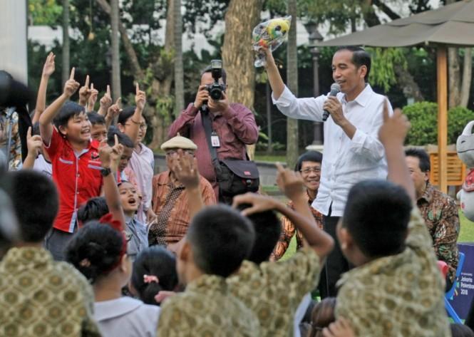 Presiden Joko Widodo di halaman Istana Merdeka, Jakarta. Foto: MI/Ramdani.