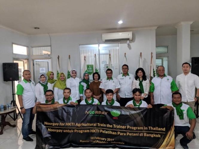 Ketua Umum HKTI, Moeldoko melepas 20 orang kadernya ikut pelatihan pertanian di Thailand. (Foto: Dok HKTI)