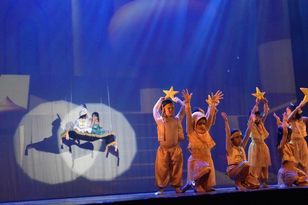 Penampilan siswa siswi Global Sevilla School dalam Drama Aladdin di Taman Ismail Marzuki, Jakarta, Dokumentasi GSS.