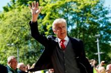 Arsene Wenger Ragu Kembali Melatih