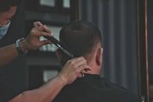 Asal Muasal Tradisi Potong Rambut di Indonesia
