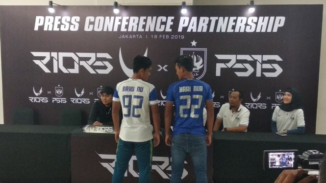 Suasana perkenalan jersey PSIS. (Foto: medcom.id/Rendy Renuki)