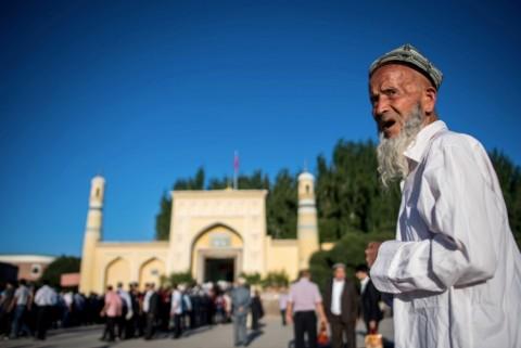 Perusahaan Pengawasan Tiongkok Lacak Jutaan Uighur di Xinjiang