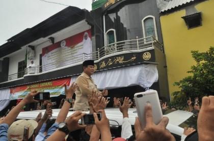 Prabowo Disambut Yel-yel
