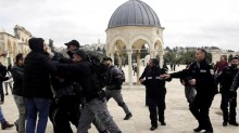 Israel Tangkap 5 Warga Palestina di Masjid Al Aqsa