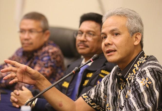 Gubernur Jawa Tengah, Ganjar Pranowo, (kanan), MI/Ramdani. (Mustholih)