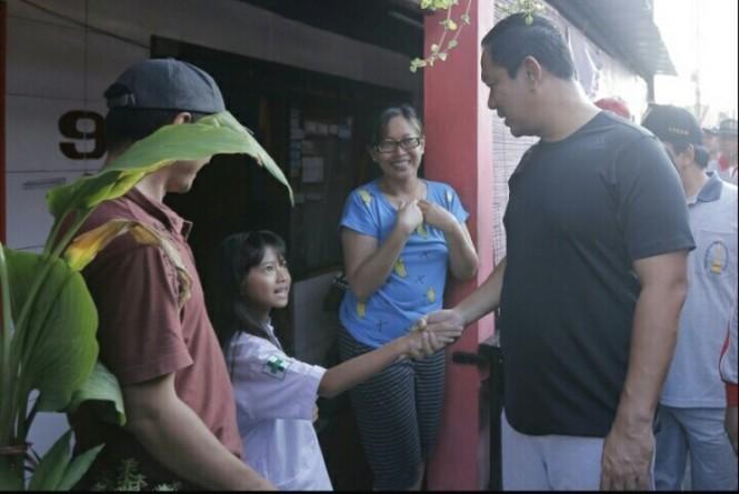 Hendrar saat mengunjungi warga Kelurahan Wonodri, Semarang, Jawa Tengah, Selasa, 19 Februari 2019.