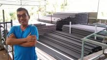 Berangkat dari Kebangkrutan, Boy Candra Produksi Pipa dari Sampah Plastik