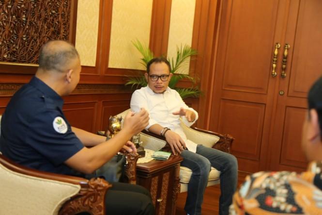 Menaker Hanif Dhakiri menerima Koperasi Pekerja Buruh Indonesia (KOPBI) di kantor pusat Kemenaker. (Foto: Dok. Kemenaker)
