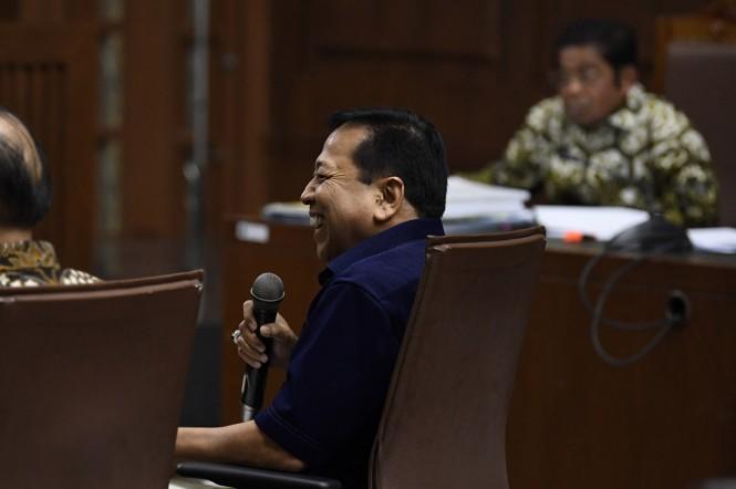 Mantan Ketua DPR Setya Novanto memberikan kesaksian pada sidang lanjutan kasus dugaan suap proyek PLTU Riau-1 dengan terdakwa Idrus Marham di Pengadilan Tipikor, Jakarta.