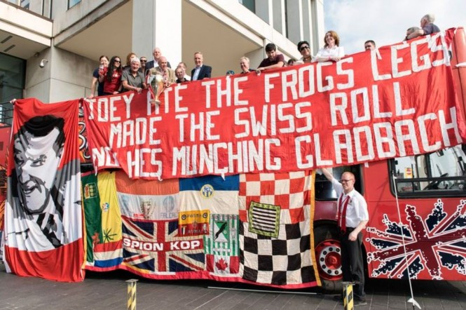 Sejumlah spanduk keramat Liverpool. (Foto: Liverpoolecho)