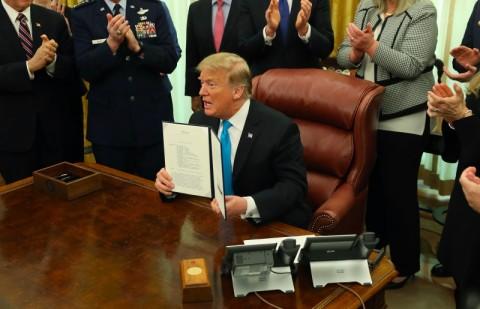 Pemerintahan Trump Bentuk Pasukan Ruang Angkasa