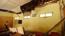 Atap Sekolah Ambruk, Siswa MTs di Tegal Mengungsi
