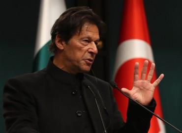 Tawarkan Dialog, PM Pakistan Peringatkan India tak Menyerang