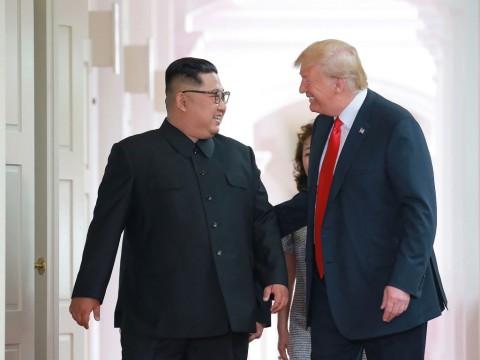 Potong Rambut Gratis ala Trump-Kim di Vietnam