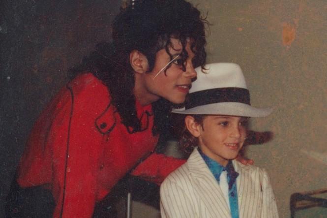 Foto lama bersama Michael Jackson yang menjadi salah satu materi film dokumenter Leaving Neverland (HBO)