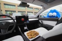 Sound System Tesla Aktif saat Ada Maling Mendekat