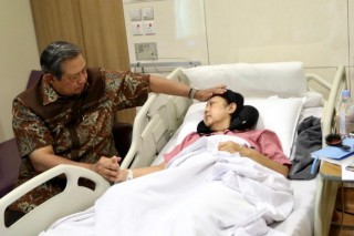 Jokowi, Iriana to Visit Former First Lady Ani Yudhoyono in Singapore